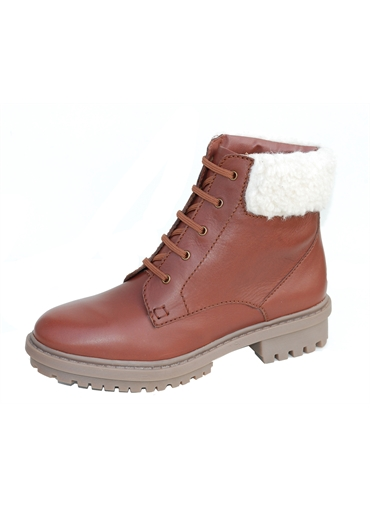 SHORT BOOT WITH FUR COLLAR